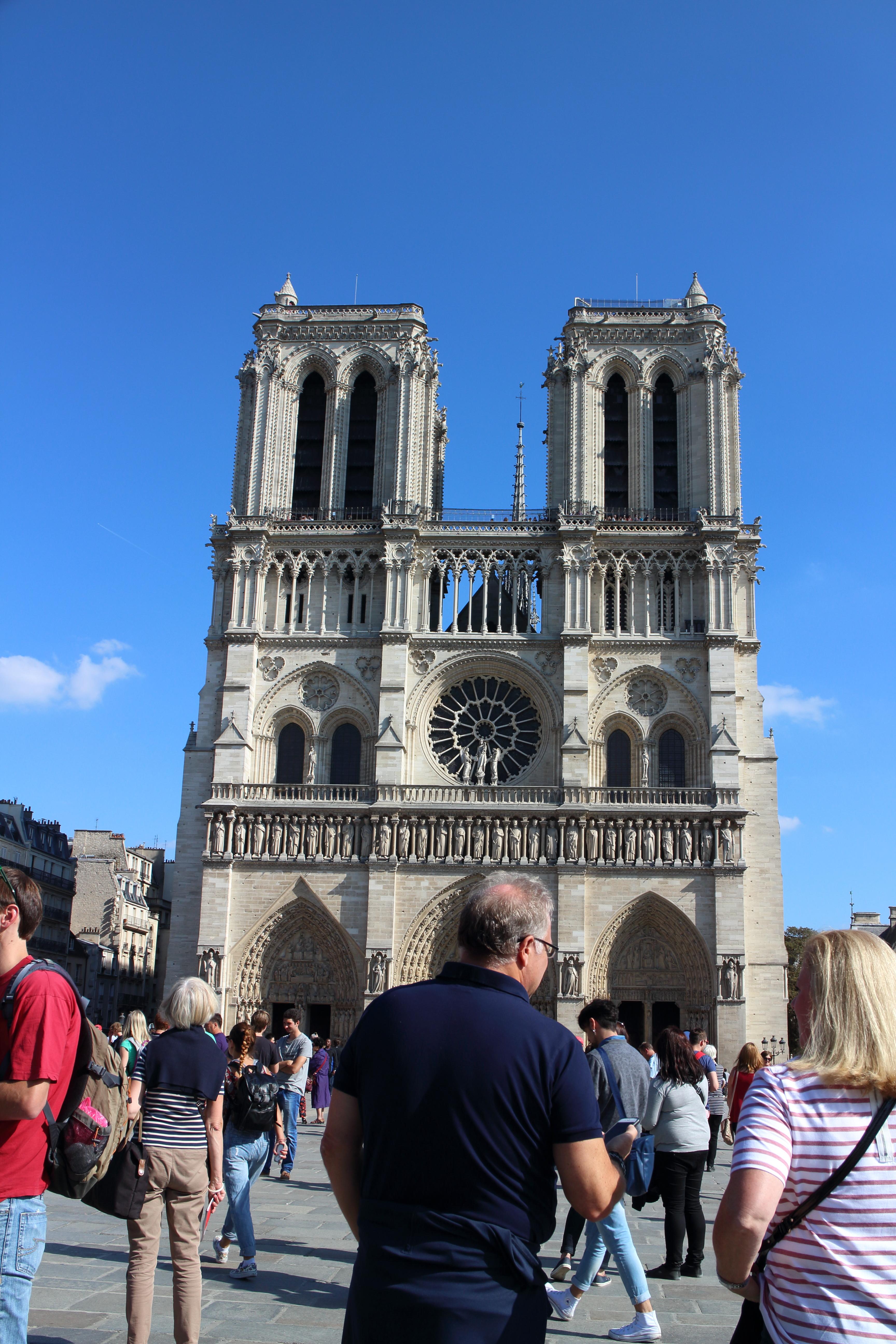 【パリ】ノートルダムとサンシャペルは大混雑でした