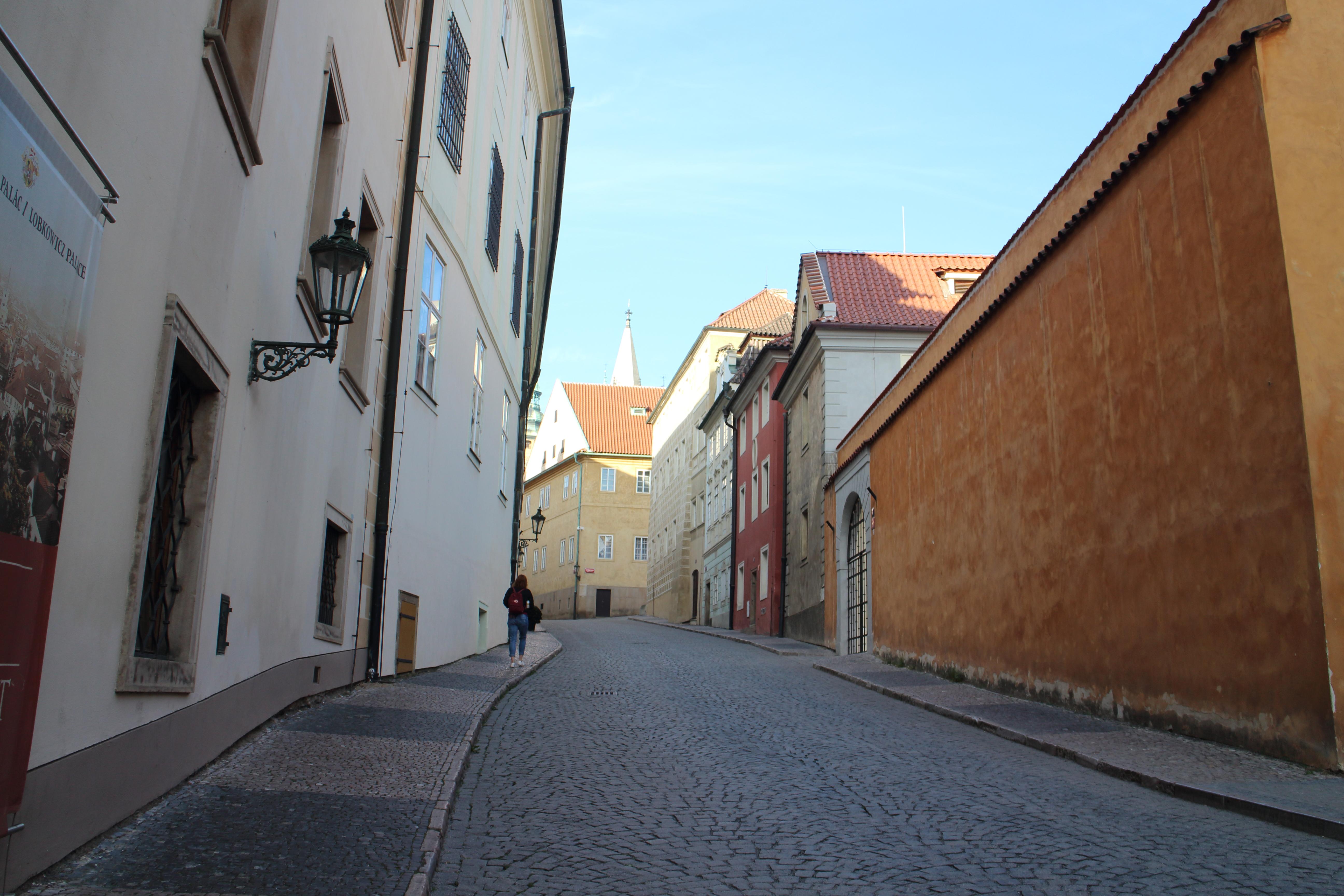 1泊2日でプラハ観光☆2日目、朝イチでプラハ城へ向かう
