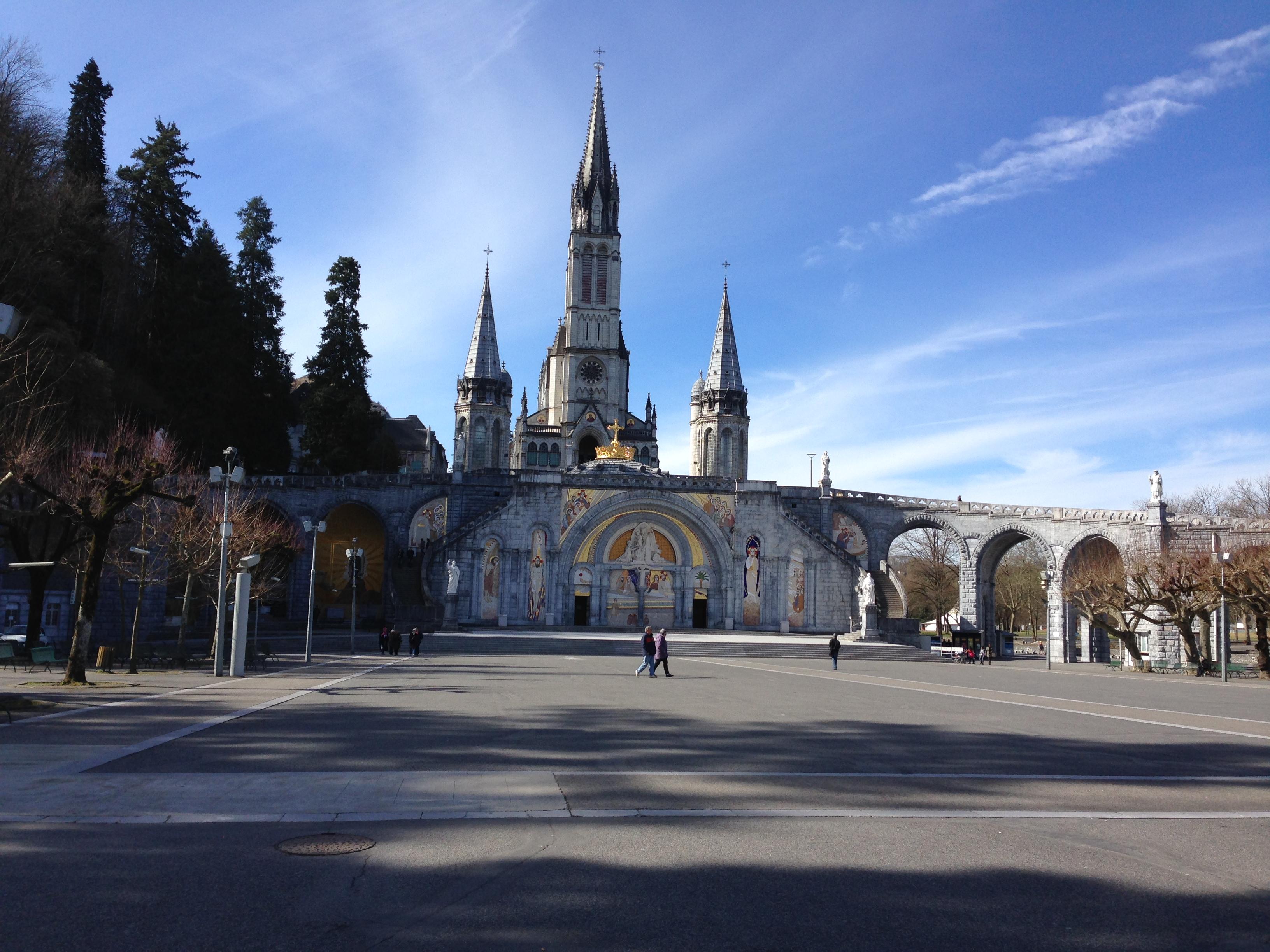 【フランス】カトリックの聖地ルルドに行ってきたよ。