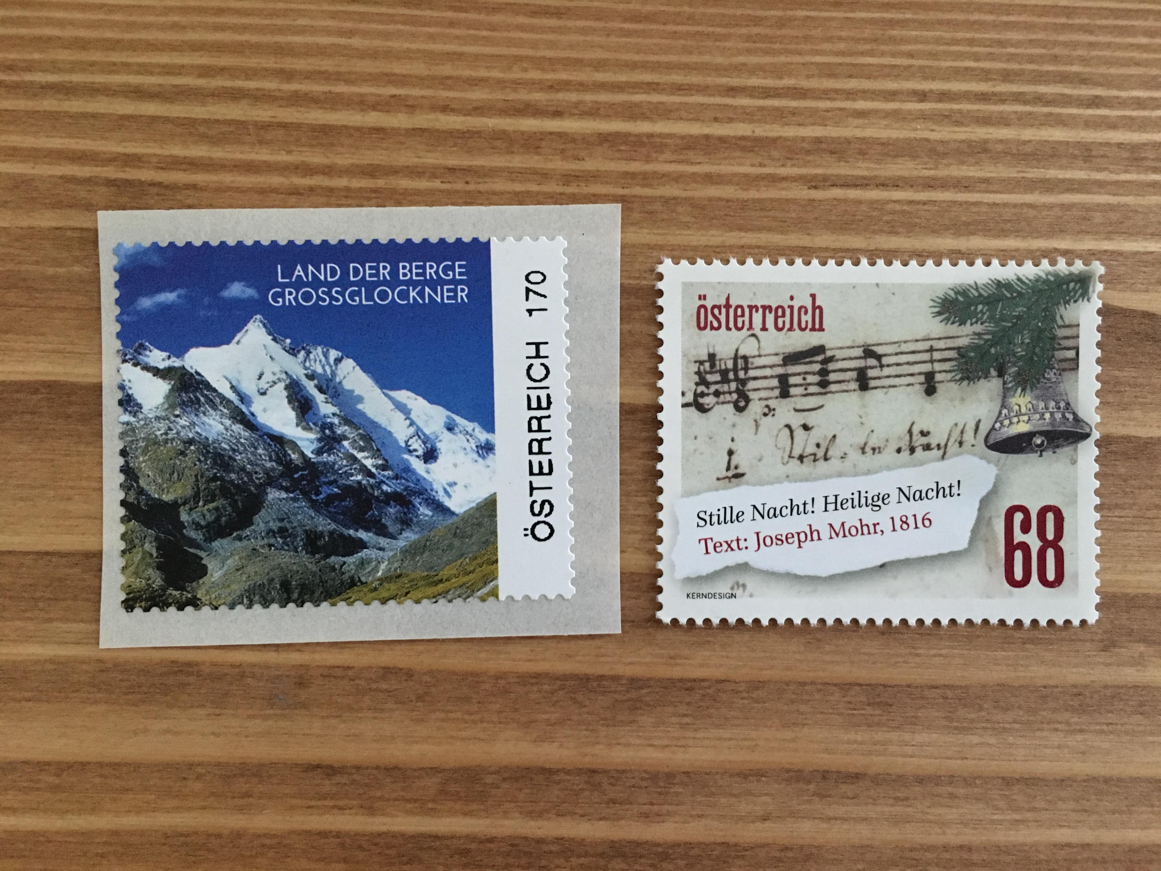 ウィーン中央郵便局でクリスマス用の切手を買ったよ