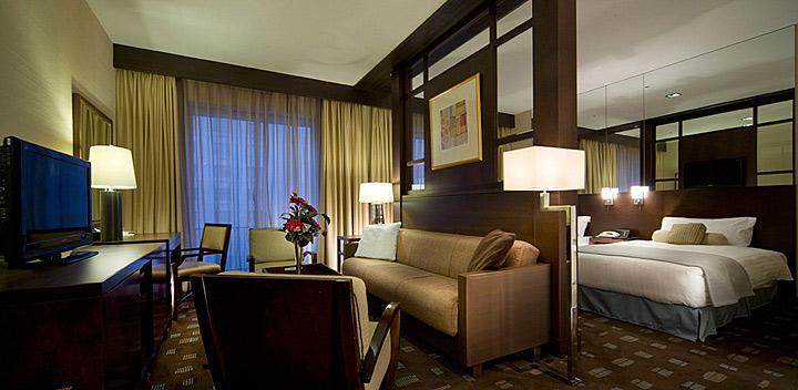 京都の宿泊は、新・都ホテルをよく使ってます。