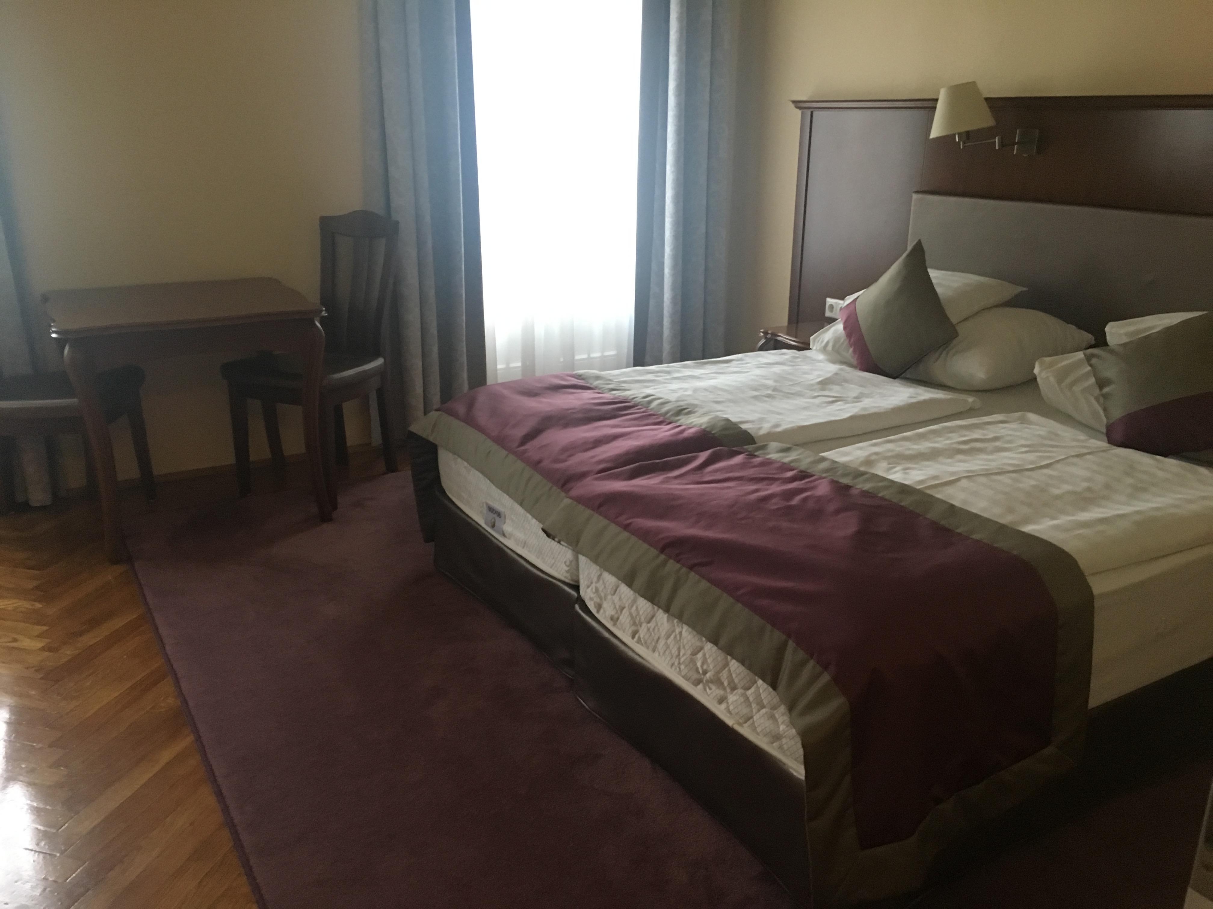 ハンガリー・ショプロンではパンノニアホテルに泊まりました。