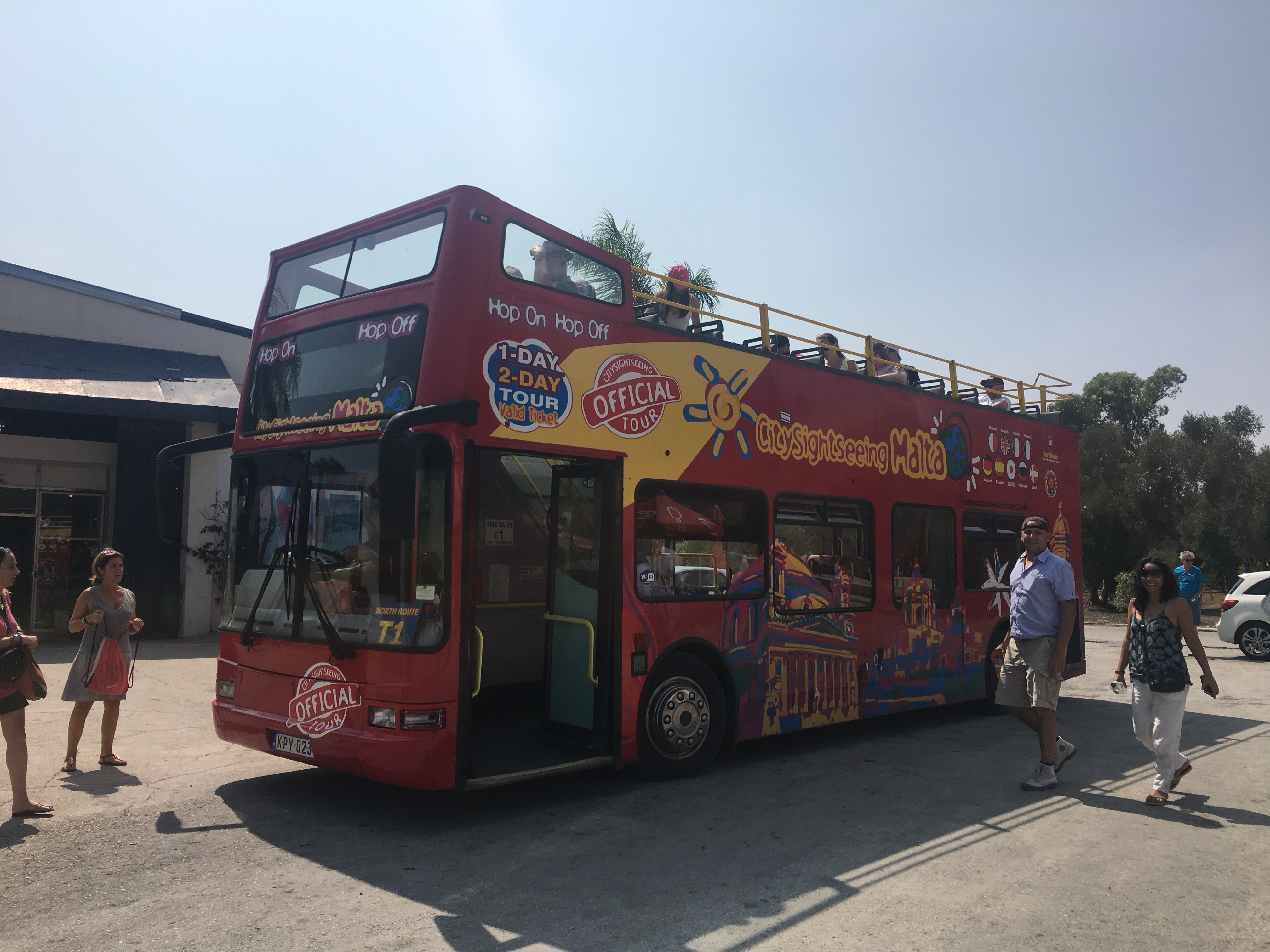ホップオン・ホップオフバスでマルタ島を巡ってみたよ
